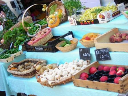 Marché traditionnel Peyrehorade   2022-04-23