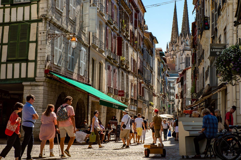 Pause patrimoine : la rue Port-Neuf Bayonne