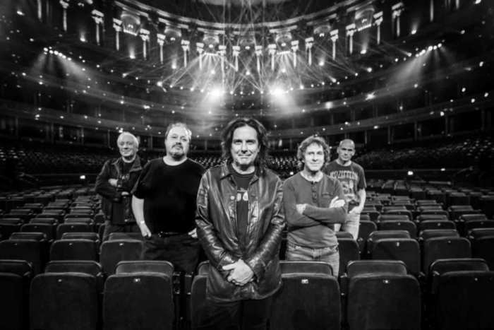 Marillion « The Light At The End Of The Tunnel » Tour Rocher de Palmer